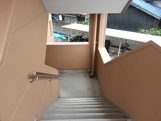 共用部階段の様子