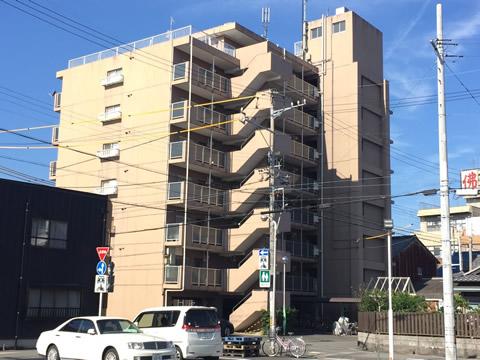 現場となる三重県桑名市のマンション