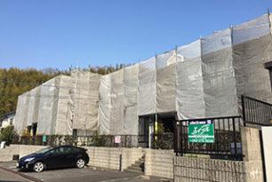 桑名市でアパートの塗り替えが始まります。